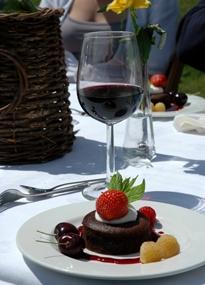 Nagerecht nagerecht catering in een weiland